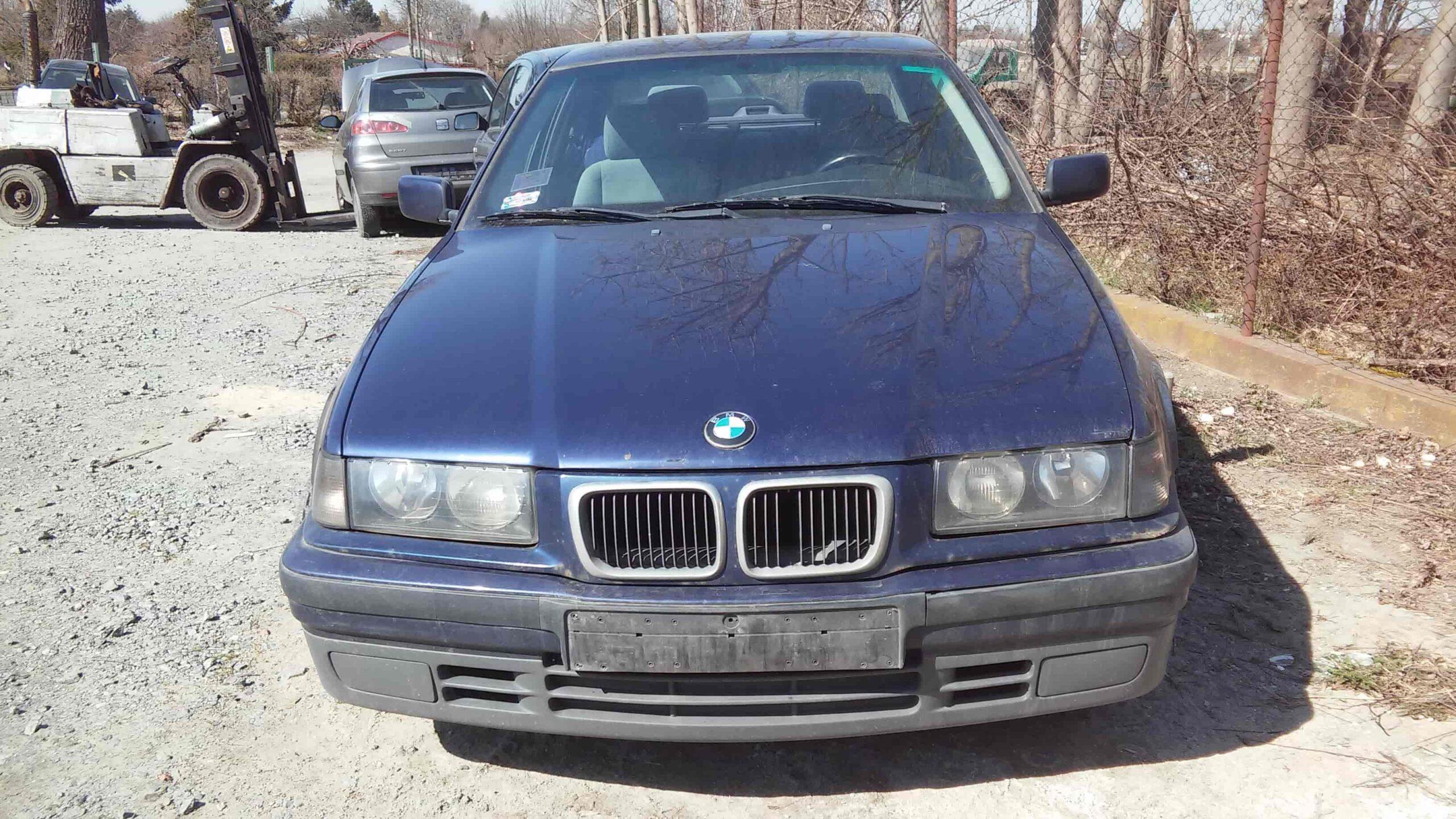 BMW 316 granatowy