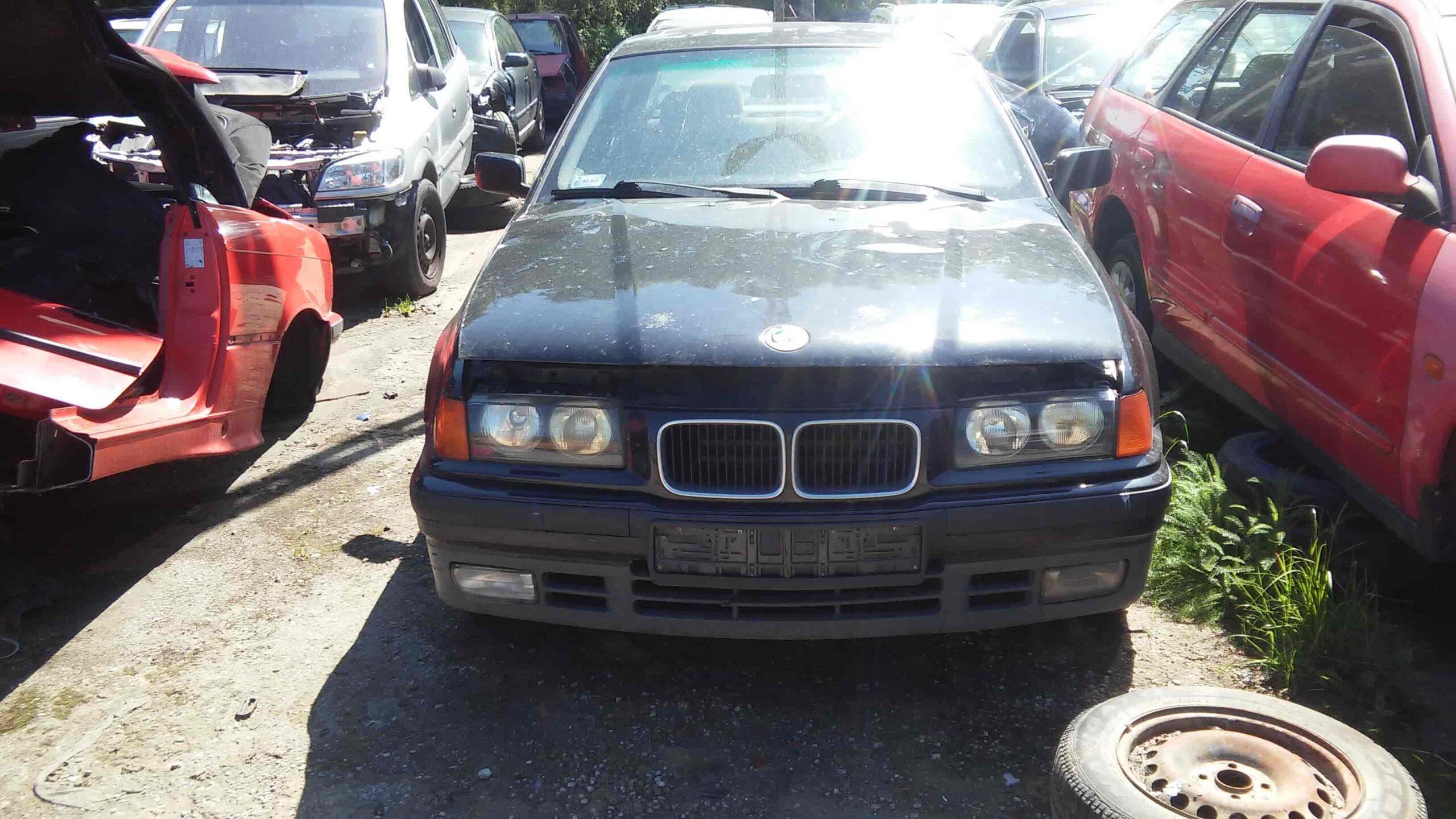BMW 318 czarny